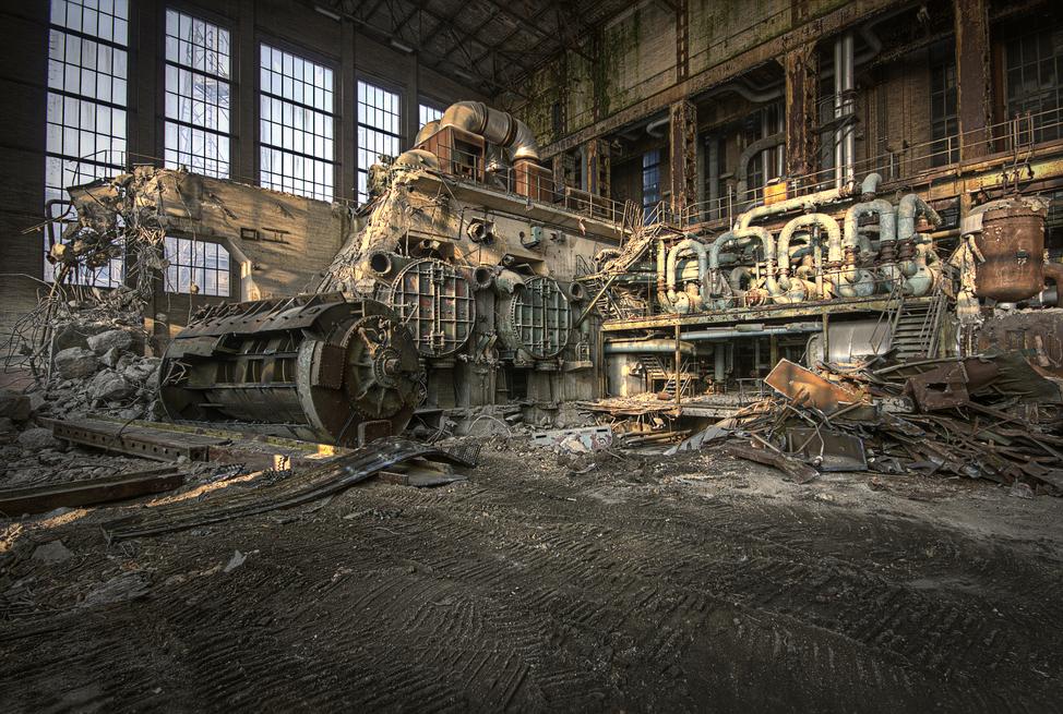 De huidige toestand van de turbinezaal, een vergelijkbaar scenario met die van na de Eerste Wereldoorlog? Foto © Ivo Verbruggen.