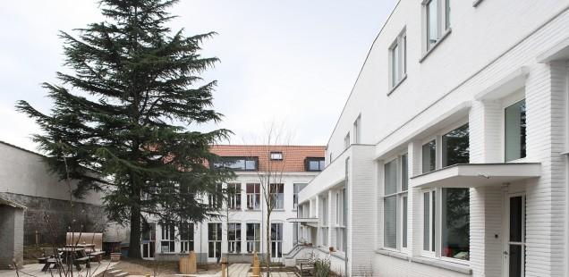 Provinciale Architectuurprijs 2013 voor verbouwing en herbestemming van een voormalige school tot woonerf