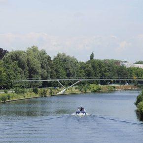Werfupdate: eerste Parkbosbrug ligt op zijn plaats